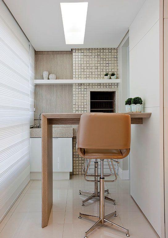 espaco gourmet Varanda Mesa para sacada pequena, Churrasqueira apartamento e Varanda gourmet  -> Decoração De Sacada Gourmet Pequena