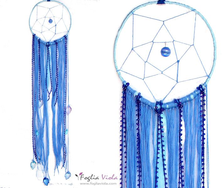 Available for the blue lover..  . .  #dreamcatcher #acchiappasogni #decor #handmade #shaman #pentagono #verde #idearegalo #pagan #leaf #green #fogliaviola #ooak