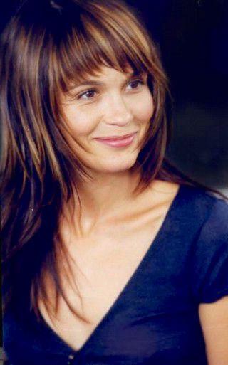 Barbara Schulz as Madenn, Guethenoc's daughter - Kaamelott, season 1 episode 43