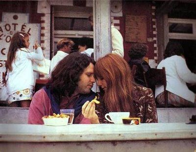 pamela courson & Jim Morrison in paris
