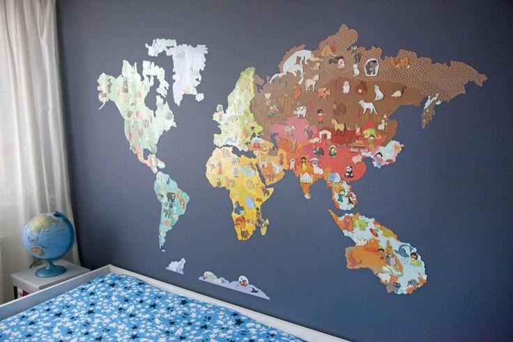 Op zoek naar een leuk cadeau voor onze zoon kom ik deze gave wereldkaart muursticker tegen. Een magnetische muursticker met heel veel losse magneten