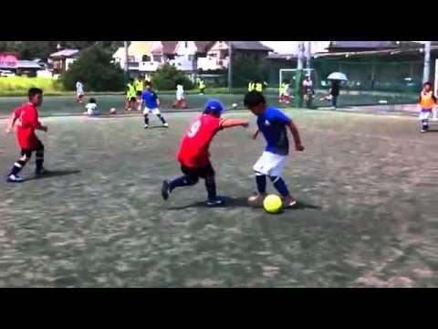 軸足裏どおし 少年サッカーテクニック動画5 YSS - YouTube