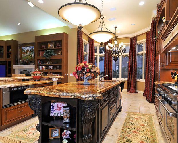 Luxurious Kitchen Islands