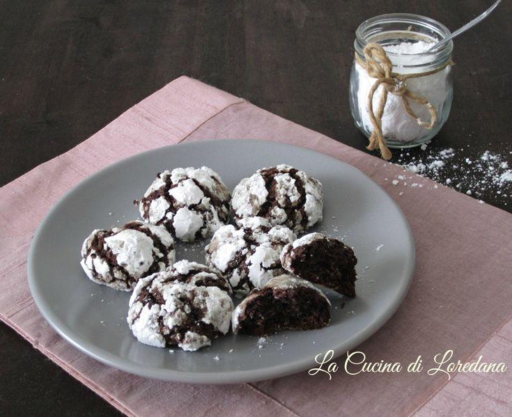 Semplici da preparare e golosi da mangiare i Biscotti al cioccolato fondente morbidissimi e buonissimi, per la gioia della vostra famiglia