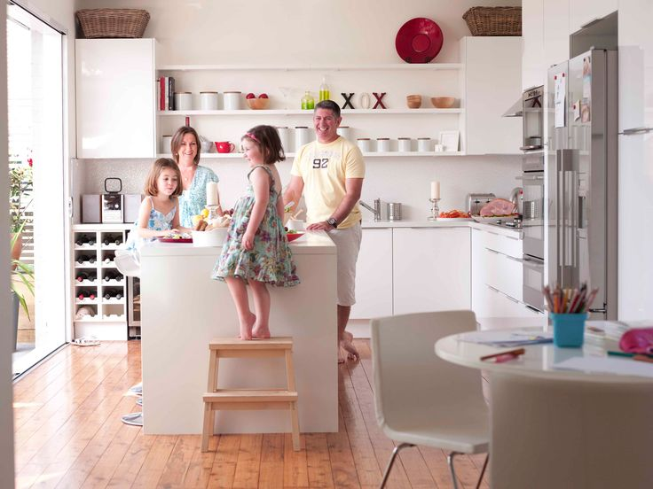 An open-plan, family-friendly kitchen
