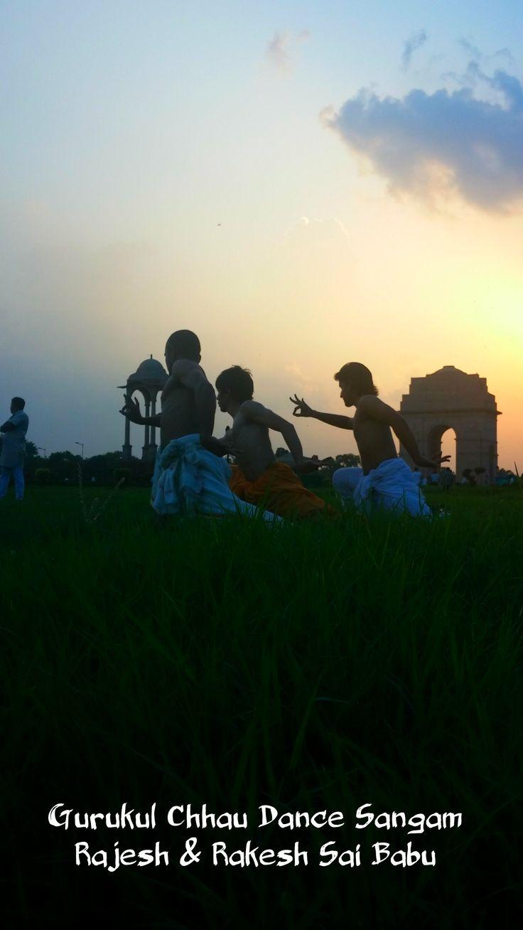 Mayurbhanj chhau dance in India Gate, Delhi by Gurukul Chhau Dance Sangam  #IndiaGate #IncredibleIndia #chhaudance  http://gurukulchhaudancesangam.com/