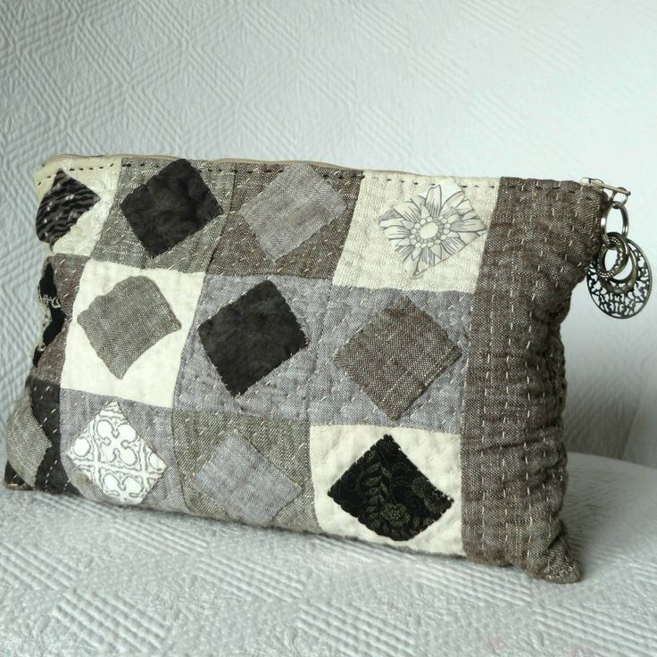 Excited to share the latest addition to my #etsy shop: Linen Quilted Sashiko clutch, Handquilted patchwork, Handstitched Linen bag, Quilted Sashiko pouch, Quilt bag, Patchwork makeup pouch http://etsy.me/2FnKVWq