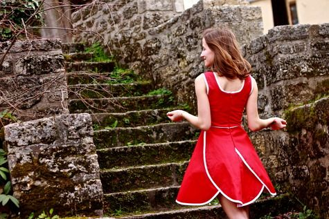 Free Pattern - http://www.burdastyle.com/patterns/bernina-3-series-entry-tailormade-party-dress