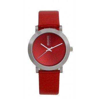 Un sencillo diseño liso que te combinará a la perfección con cualquier estilo de ropa, aportándote color. El color rojo pasión simboliza amor http://www.tutunca.es/reloj-correa-piel-color-rojo-666barcelona-rambla