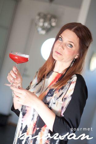 Karin är verkligen bruden som kan det här med drinkar! I lördags när vi var bjudan hem till Karin och Martin, hade det minsann blandats en såååå god drink, som man bara kunde slurpa i sig, och som …