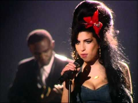 This is why I love Amy Winehouse - Back to Black Live (YouTube)