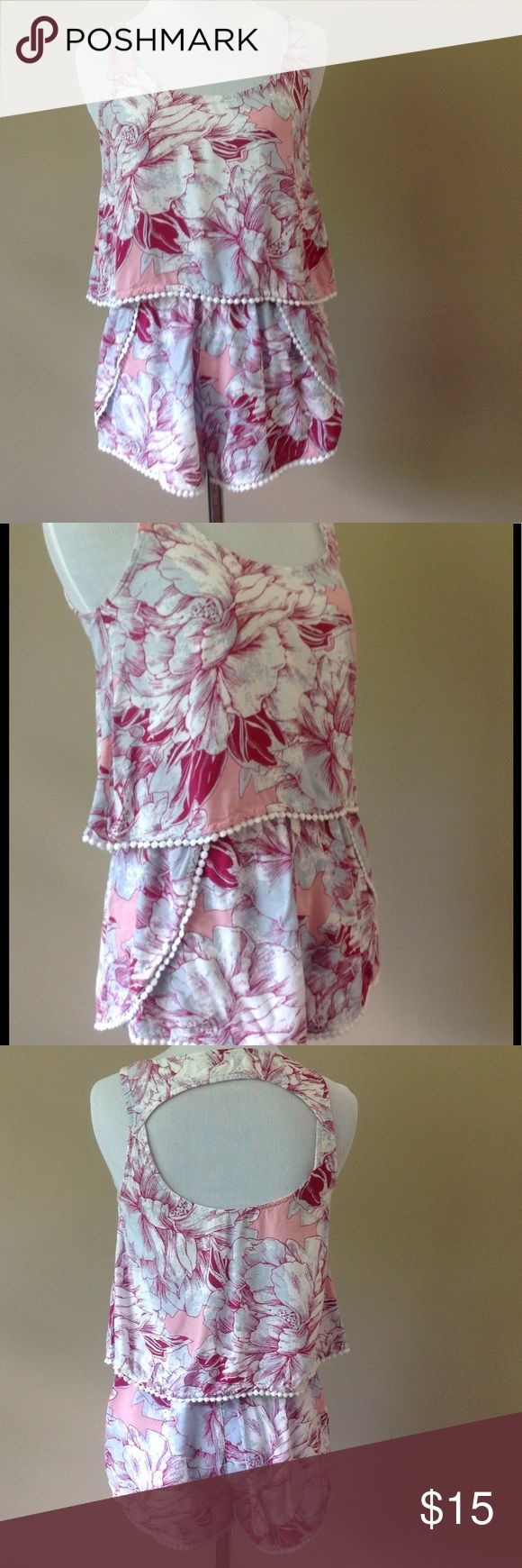 XS lingerie sleepwear set Size xs. Pants have elastic waist. Excellent condition and has been freshly laundered. Intimates & Sleepwear Pajamas