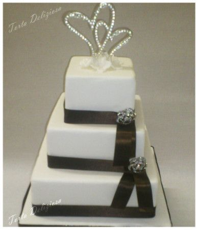 #wedding #cake #brooch #pins #diamants #heart #bruidstaart #broches #diamant #hart