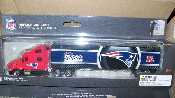 NEW ENGLAND PATRIOTS '13 TRUCK HAULER 1:80 DIE CAST semi NFL Football Press Pass