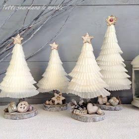 Il Natale è alle porte...  ...quella che vi mostro oggi  è un' altra piccola decorazione natalizia  per la casa o per un' idea regalo  da...