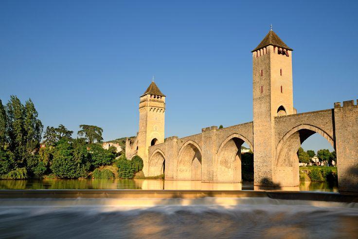 Le Pont Valentré à Cahors : Les plus belles étapes du chemin de Compostelle - Linternaute