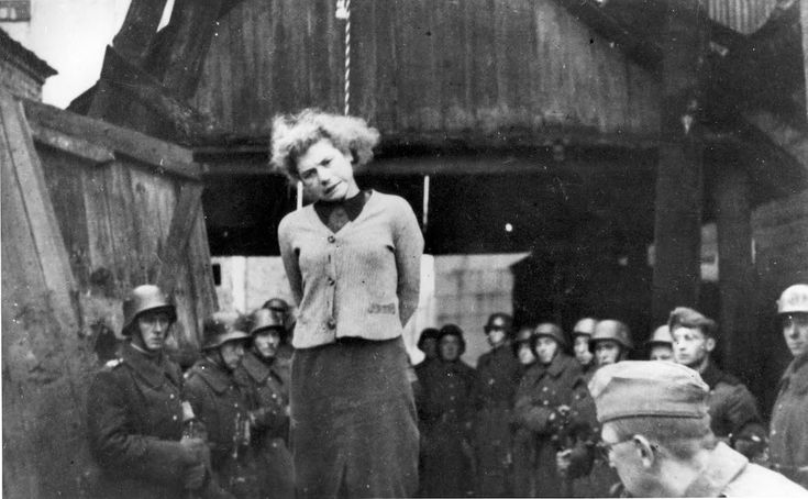 Minsk, Belorussia, The hanging of the Jewish partisan Masha Bruskina by German soldiers, 26/10/1941