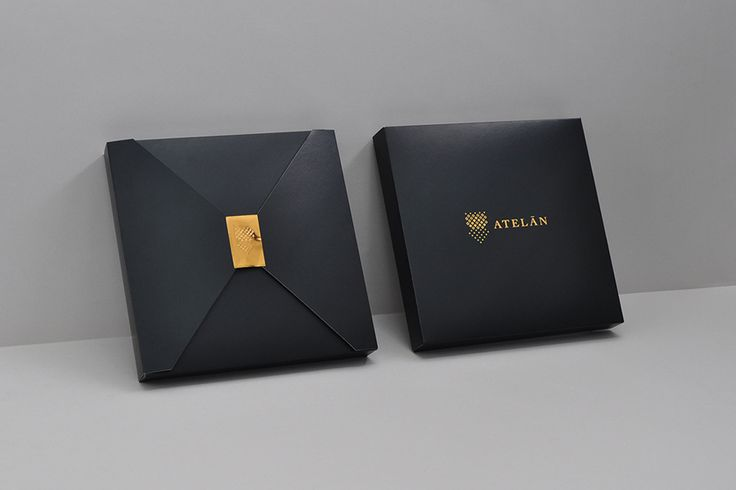 Packaging with copper embossed sticker by Firmalt for Atelán, a champion of local and international fashion brands in Latin America