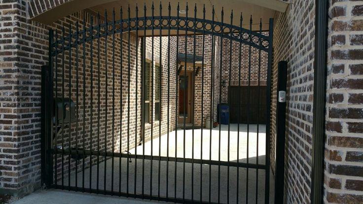 Automatic Driveway Gate w/ Keycode Securty Entry