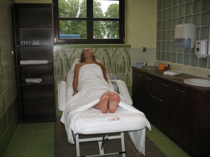 W hotelu mieści się gabinet masażu oferujący masaże klasyczne, relaksacyjne, peelingujące, twarzy i inne.