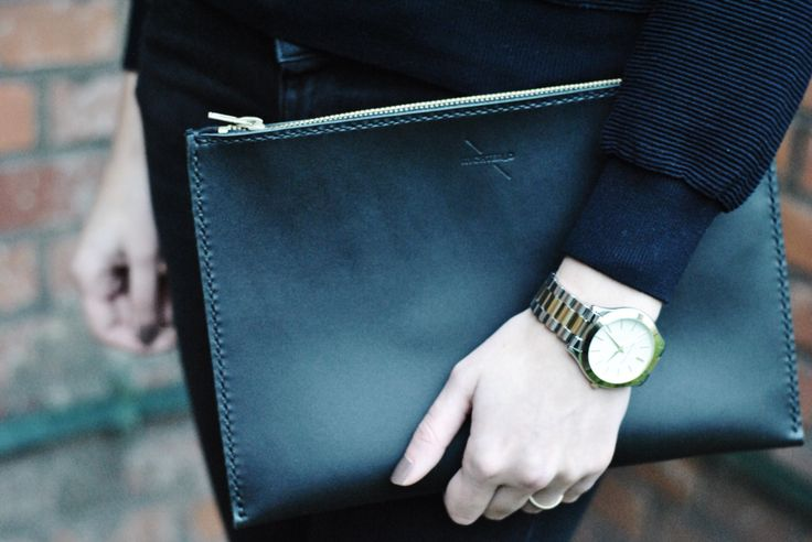 Rychter_D handmade leather clutch with Michael Kors watches / craftsman story.