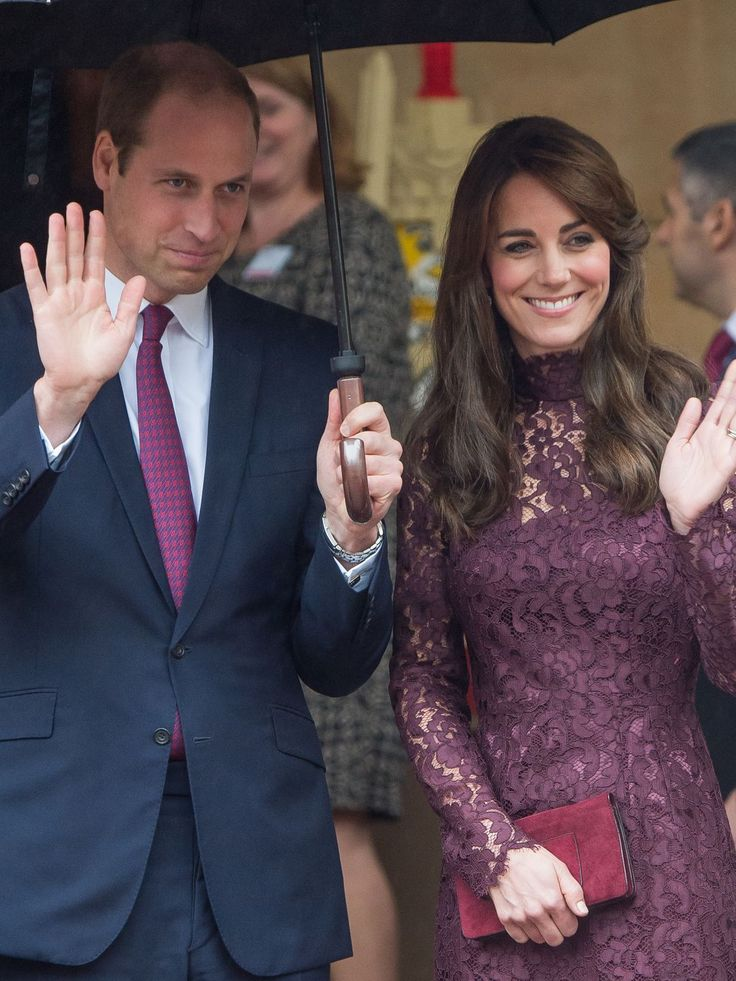 Prince William and Catherine, Duchess of Cambridge wave as Chinese President Xi Jinping and Peng Liyuan leave a creative industry event to celebrate cultural collaboration between the UK and China at Lancaster House on Oct. 21, 2015, in London.  Samir Hussein, WireImage
