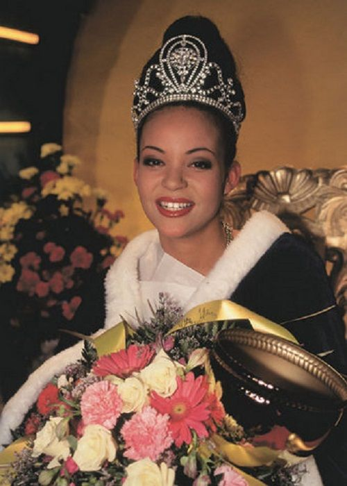 Lola Odusoga was the first Afro Miss Finland when she won in 1996. Her father is Nigerian and her mother is Finnish, she went on  to place 3rd in the 1996 Miss Universe Pageant.