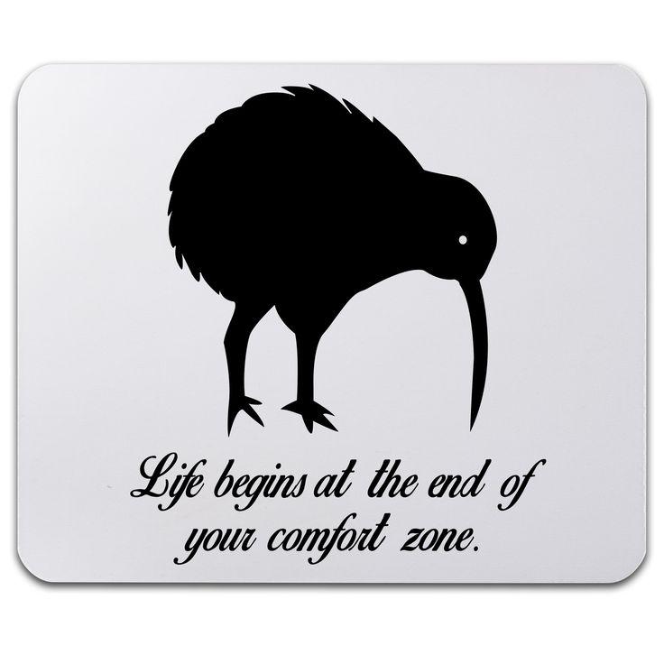 Mauspad Druck Kiwi Vogel aus Naturkautschuk  black - Das Original von Mr. & Mrs. Panda.  Ein wunderschönes Mouse Pad der Marke Mr. & Mrs. Panda. Alle Motive werden liebevoll gestaltet und in unserer Manufaktur in Norddeutschland per Hand auf die Mouse Pads aufgebracht.    Über unser Motiv Kiwi Vogel  Kiwi-Vögel oder Schnepfenstrauße sind nachtaktive und flugunfähige Vögel (Laufvögel) und sind in Neuseeland zuhause.   Der Kiwivogel ist nicht nur eine tolle Erinnerung an die Neuseelandreise…