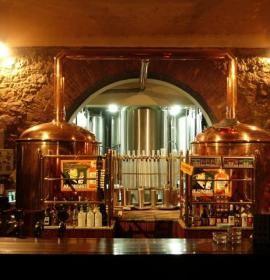 Restauracja C.K. Browar to elegancka restauracja, nowoczesny Night Club i Pub zlokalizowane przy ul. Podwale 6-7,  tuż przy Rynku Głównym.