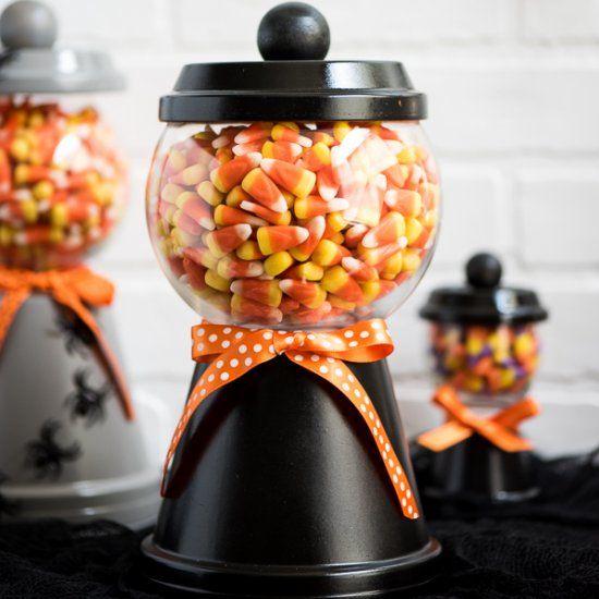 Superior Halloween Candy Jar (Craft Gawker)