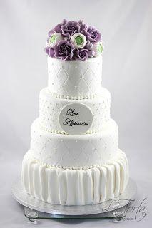 La Torta - unike kaker: Bryllupskake med roser og ranukler