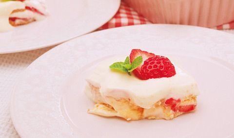 苺とチーズクリームのビスケットケーキ - Philadelphia Kitchen