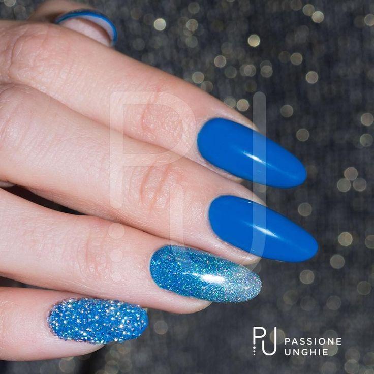 """Mi piace"": 897, commenti: 8 - Passioneunghie.it (@passioneunghieofficial) su Instagram: ""Preziosi #Swarovski per mani scintillose! #CrystalPixie #CuteMood #OpticalBlue #OpticalSilver…"""