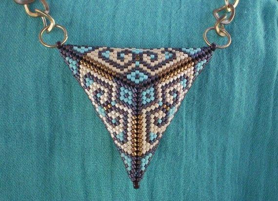 TUTORIEL Triangle Peyote que 2 facer motif perle par Ellad2