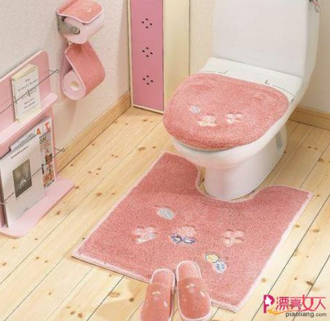Toilet mat