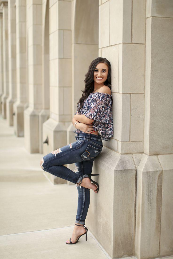 2018 Senior, Dowtown Tulsa Oklahoma Senior Poses, Senior Portrait, Senior Pictures, Photography, Kylea Wares Photography, Girl Senior Photos Girl Seniors Pictures Pose Idea