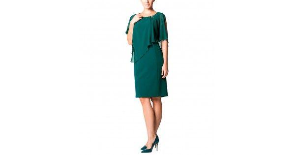 Εντυπωσιακό φόρεμα σε ιδιαίτερο, μοντέρνο φόρεμα και αέρινο ύφασμα μουσελίνας. Επένδυσε σε ένα φόρεμα που να%