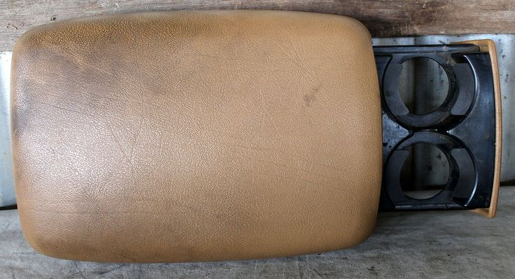 Slide out cupholders on console lid. 1996 JEEP GRAND CHEROKEE ZJ LAREDO CENTER CONSOLE TAN CUSSON LID W/ CUP HOLDER in Vehicle Parts & Accessories, Car, Truck Parts, Interior | eBay!