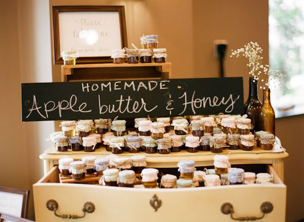 Southern wedding - homemade favors - homemade apple butter and honey