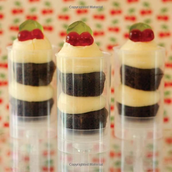 Amazon.com: Bake Me I'm Yours...Push Pop Cakes: Fun Designs & Recipes For 40 Push Pop Cakes (9781446303061): Katie Deacon: Books