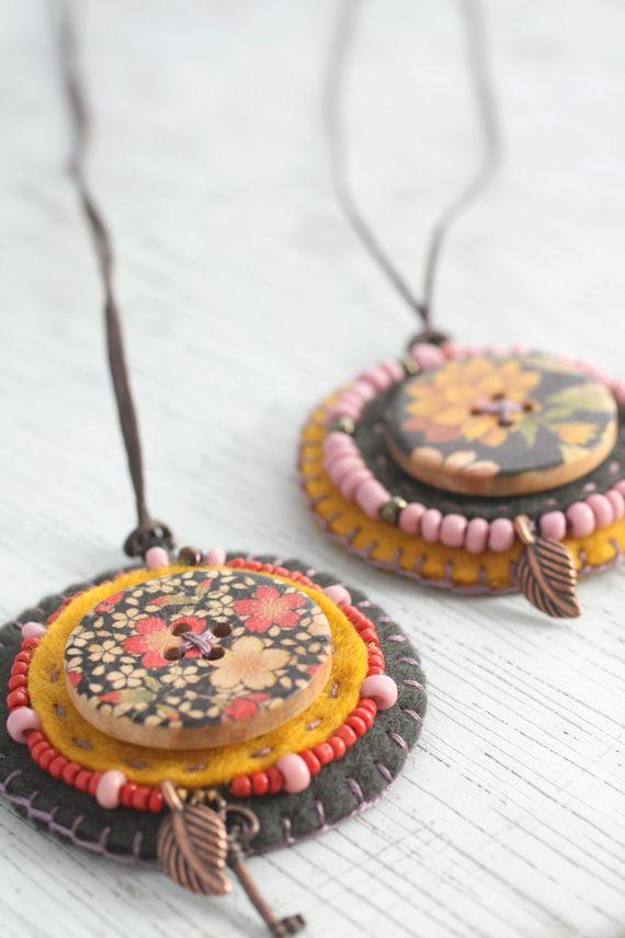 gorgeous felt  button pendant necklaces [by little Z Handmade]