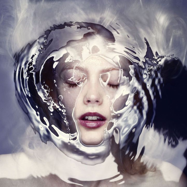 Vienna-based photography studio Staudinger + Franke's series Barrier consists of stunning portraits of women separated from the viewer by a barrier of water. Simple in concept but executed to perfection, the images put a unique spin on the trend of underwater photography...