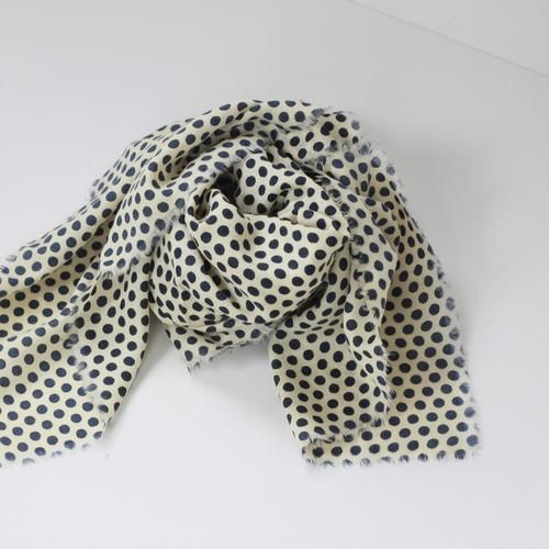 WOOLEN DOTS SCARF by Tikau (Natural white / Navy dots)