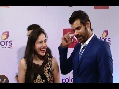 Shabbir Ahluwalia with his wife Kanchi Kaul at Color Television Style Awards 2015. #shabbirahluwalia #kanchikaul