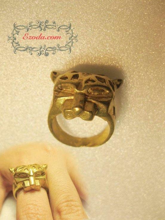Ezoda Ring / Ezoda Rings