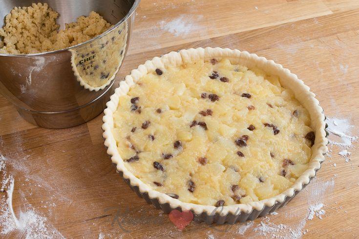 Sla dit recept voor appelvlaaivulling met rozijnen direct op in je favorieten! Gebruik hem voor zelfgemaakte appelvlaai, appeltaart of appelflappen.