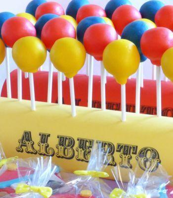 cake pop a forma di palloncino per un compleanno con tema Circo