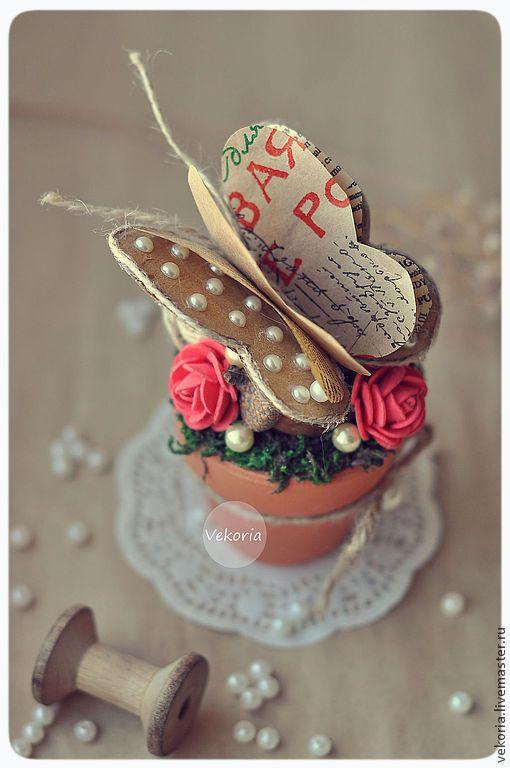 """Купить Композиция """"Бабочка в цветах"""" - красный, телесный, бежевый, натуральный, бумага, бабочка, изделие из бумаги"""