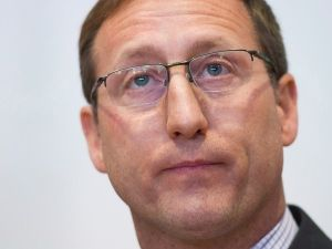 Justice Minister Peter MacKay is expected to announce Friday he won't run in the next federal election.
