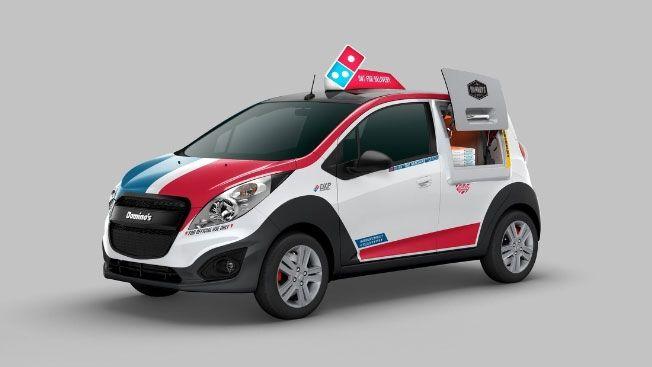 4年の歳月をかけて開発された、ドミノ・ピザの革新的なデリバリーカー   AdGang